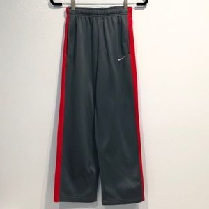 Nike Therma Fit Sweat Pants in Boy's Size L